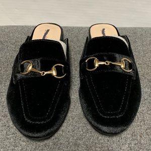 Steve Madden Shoes - NEW Stevie's Black Velvet Gold Horse bit Mule Flat